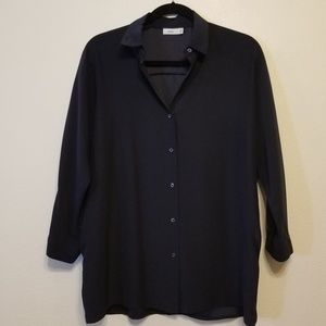 Vince. 100% navy silk shirt with 3/4 sleeves